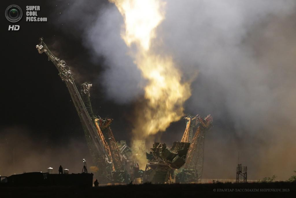 Казахстан. Байконур. 29 мая. Старт космического корабля «Союз ТМА-09М». (EPA/ИТАР-ТАСС/MAXIM SHIPENKOV)