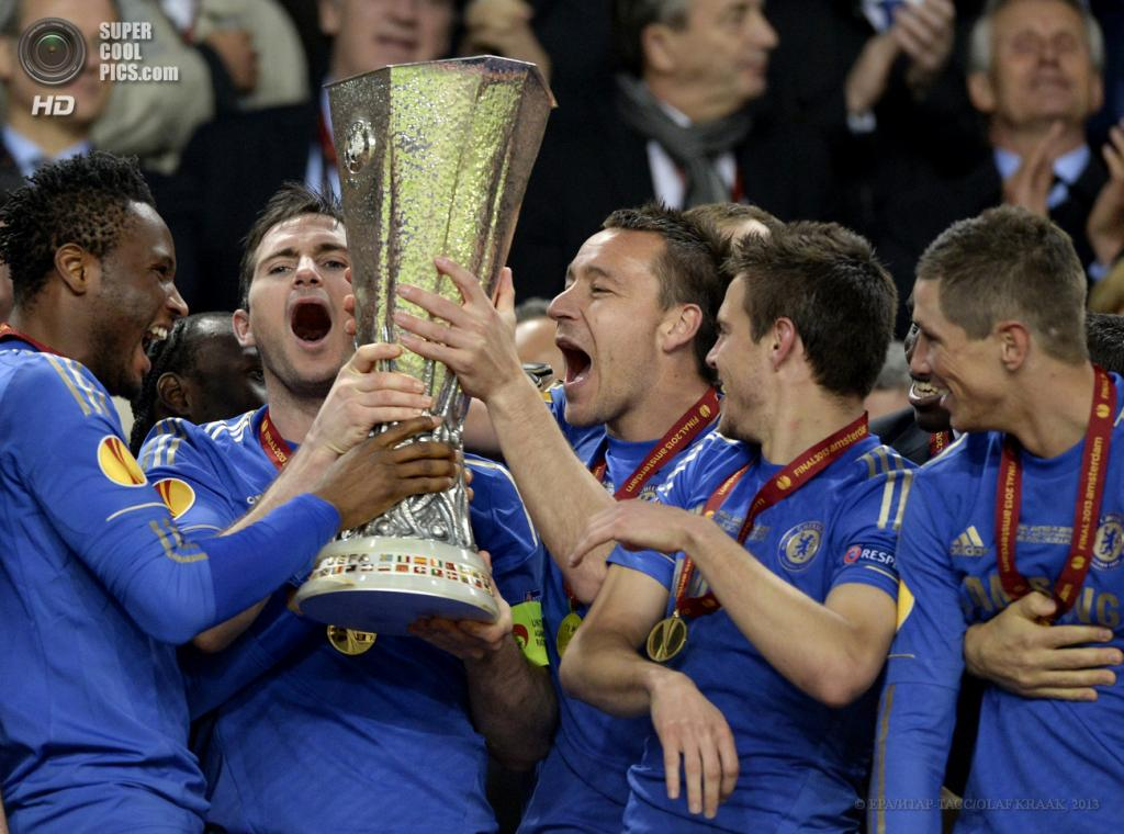 Нидерланды. Амстердам. 15 мая. Финал Лиги Европы УЕФА между лиссабонской «Бенфикой» и лондонским «Челси». (EPA/ИТАР-ТАСС/OLAF KRAAK)