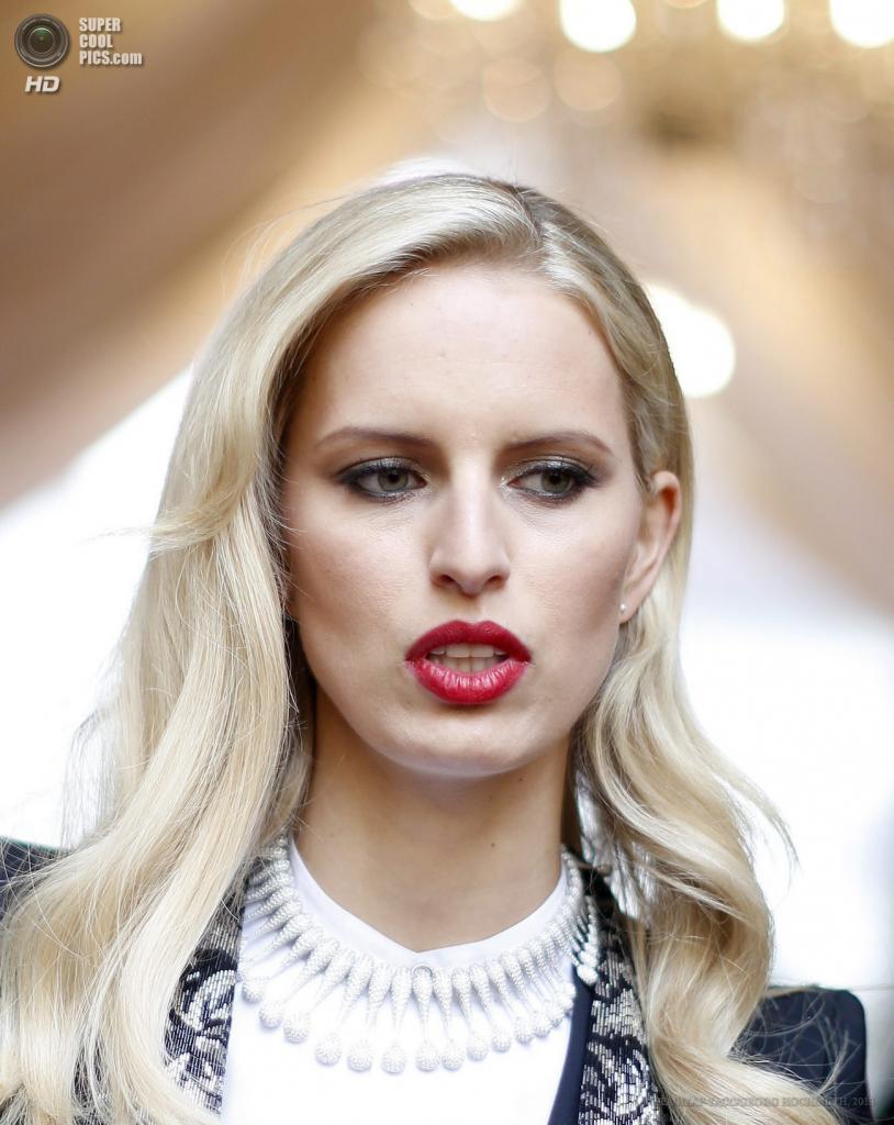 Австрия. Вена. 25 мая. Чешская модель Каролина Куркова прибывает на благотворительный «Бал жизни». (EPA/ИТАР-ТАСС/GEORG HOCHMUTH)
