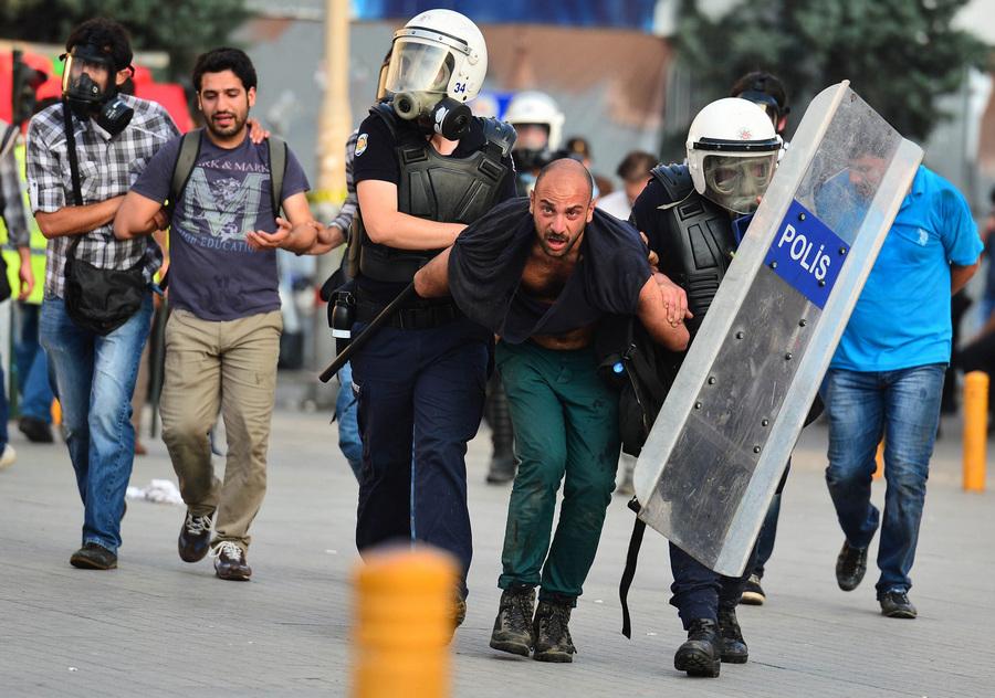 Стамбул раздирают протесты (20 фото + HD-видео)