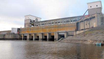Рыбинская ГЭС (10 фото + HD-видео)