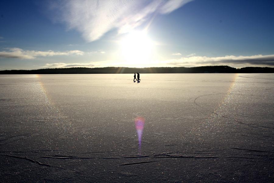 Солнечное гало в Сигтуне, Швеция. (Harroschmeling)