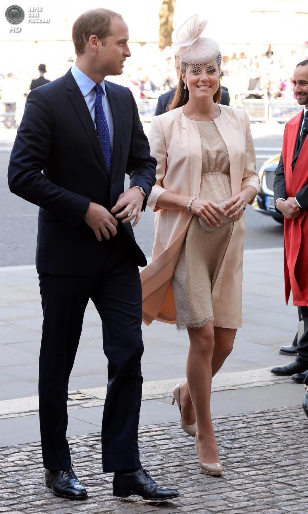 Великобритания. Лондон. 4 июня. Принц Уильям с супругой Кэтрин перед началом торжественной службы в Вестминстерском аббатстве в честь 60-й годовщины коронации королевы Елизаветы II. (EPA/ИТАР-ТАСС/ANDY RAIN)