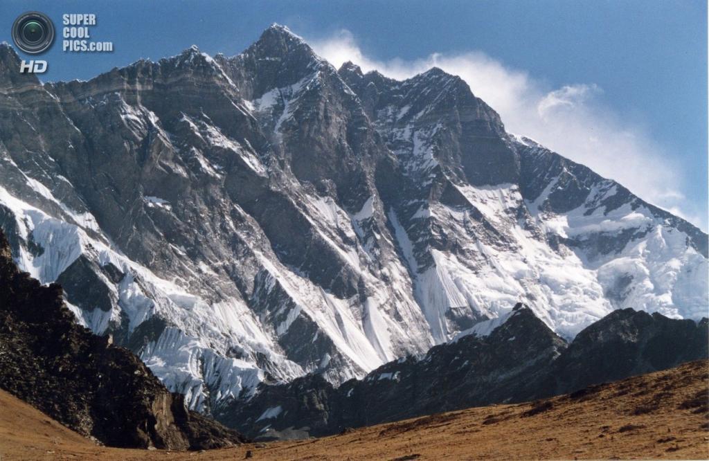 На границе Китая и Непала. Горная система Гималаи. Лхоцзе. Высота вершины 8 516 м. (Uwe Gille)