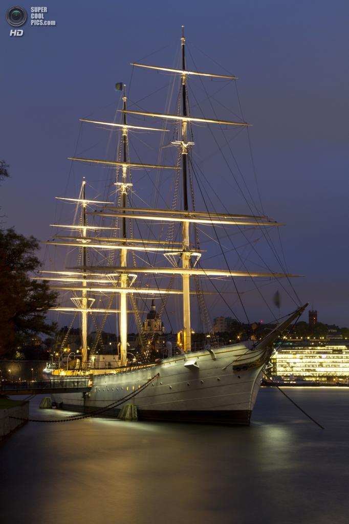 Швеция. Стокгольм. Хостел STF Vandrarhem af Chapman & Skeppsholmen, находящийся на борту трехмачтового фрегата af Chapman. (Brorsson)