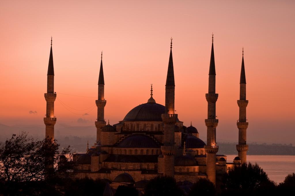 Величественные мечети Стамбула (16 фото)