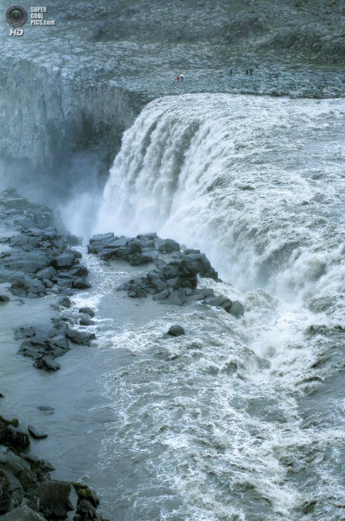 Исландия. Водопад Деттифосс в национальном парке Йёкульсаурглювуре. (Robbie)