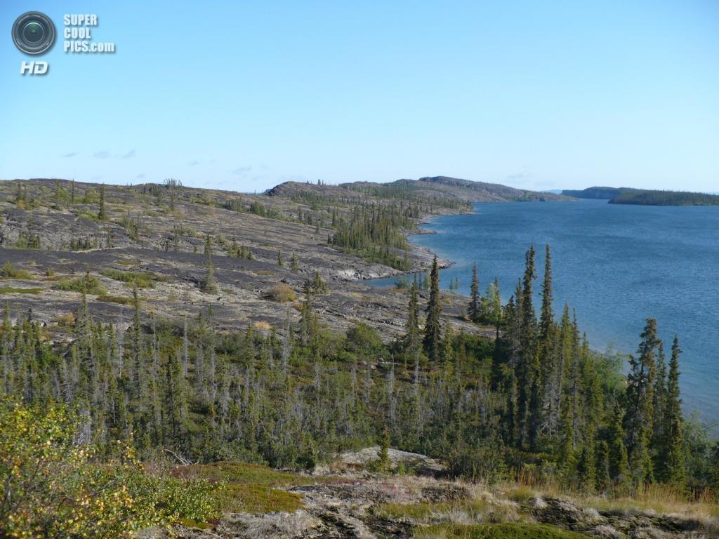 Канада. Большое Невольничье озеро. Наибольшая глубина — 614 м. (Gierszep)