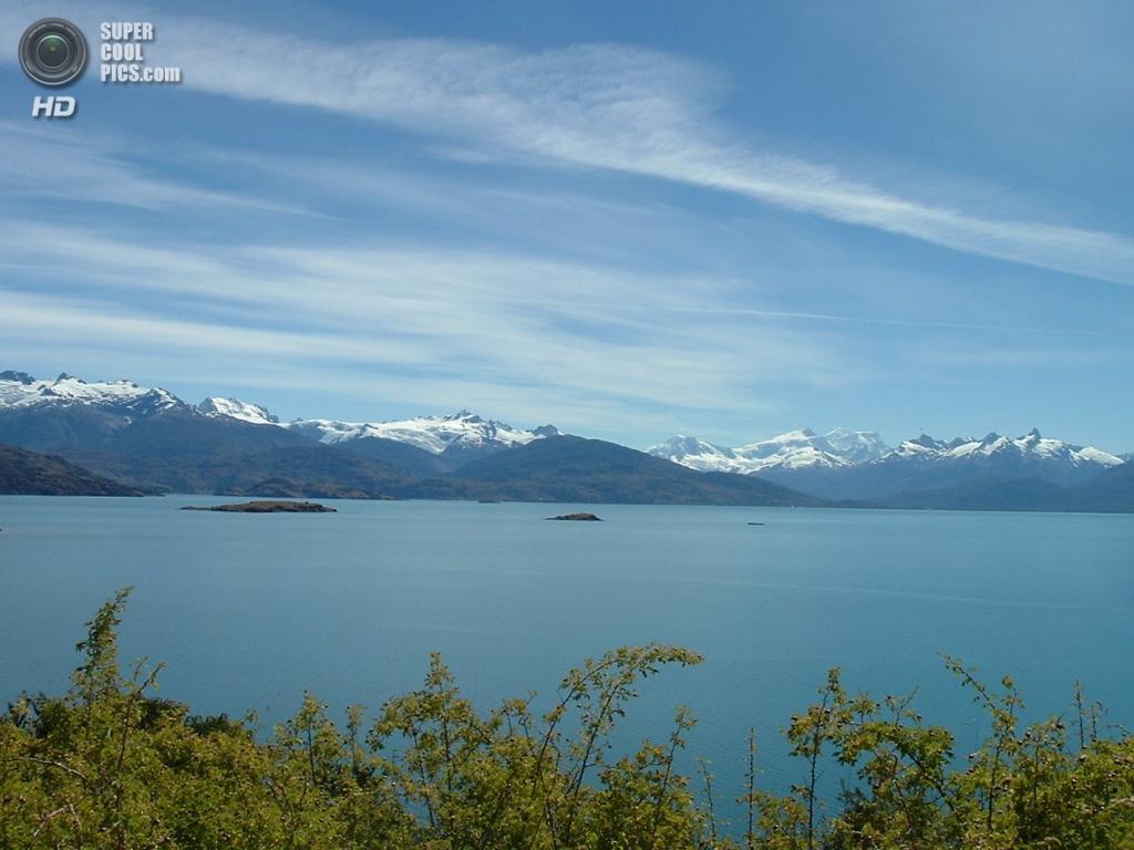 Аргентина, Чили. Озеро Буэнос-Айрес. Наибольшая глубина — 590 м. (Jorge Morales Piderit)