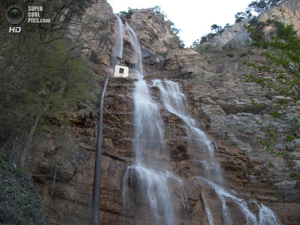 Водопад Учан-Су. Расположен на одноименной реке на южном склоне горы Ай-Петри. При высоте 98,5 метров является самым высоким водопадом Украины. (troitskyA)