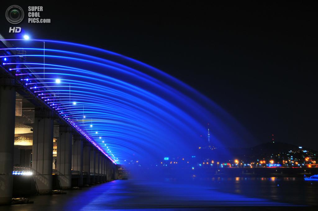 Мост «Фонтан радуги». (Robert Koehler)