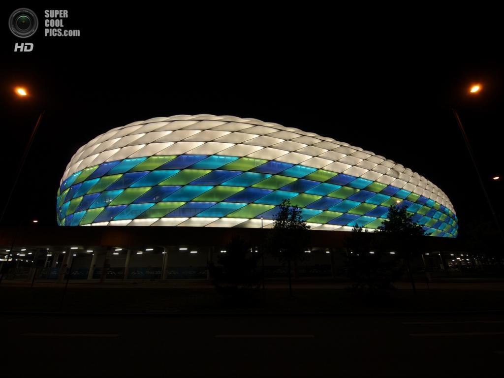 Германия. Мюнхен, Бавария. Футбольный стадион «Альянц Арена». (Christoph Anton Mitterer)