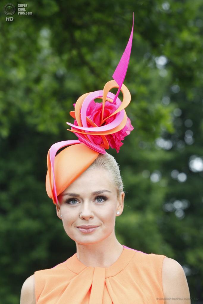 Великобритания. Аскот, Беркшир. 18 июня. Певица Кэтрин Дженкинс на открытии «Royal Ascot». (EPA/ИТАР-ТАСС/TAL COHEN)