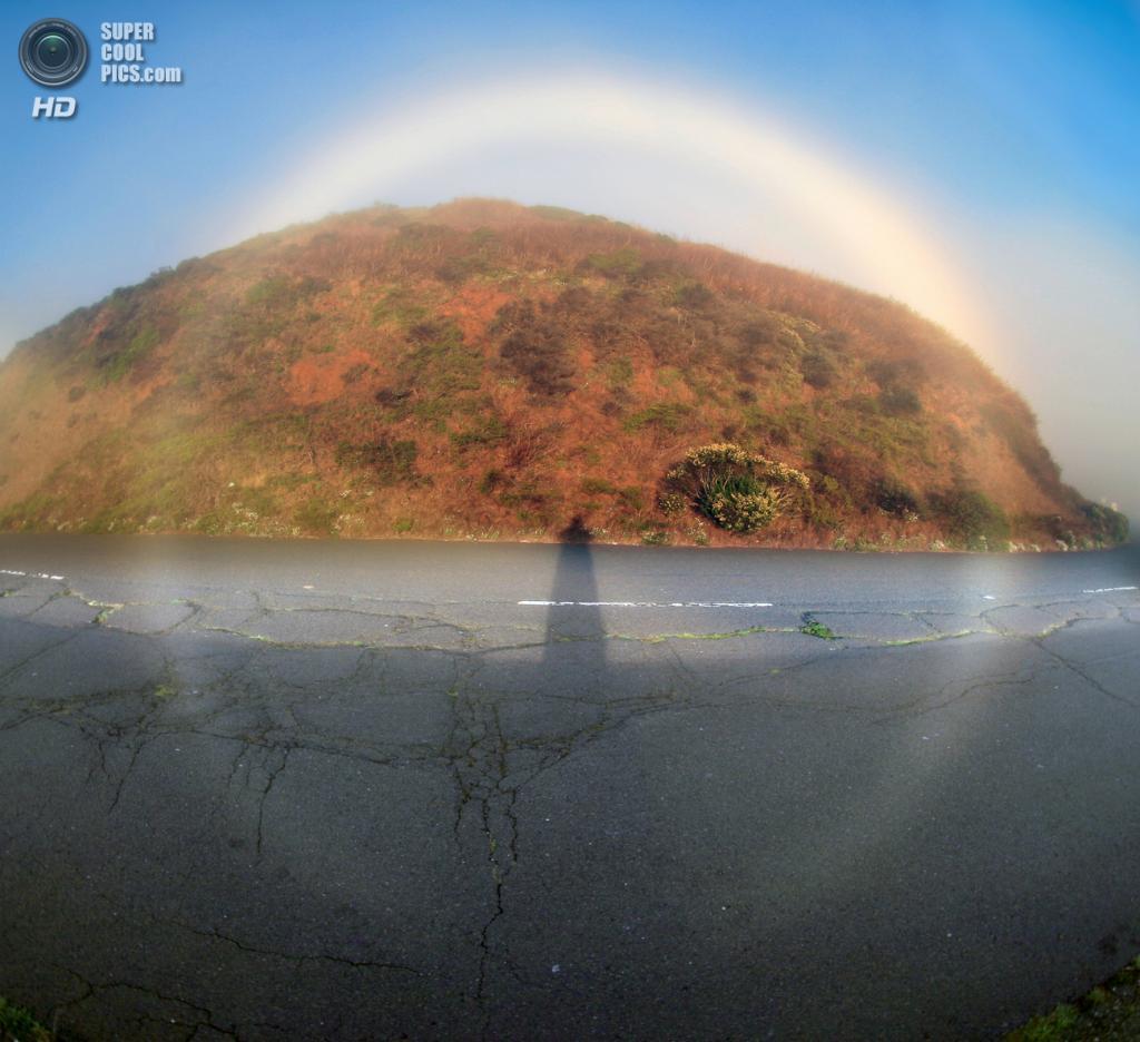 Туманная радуга на 360°. (Brocken Inaglory)