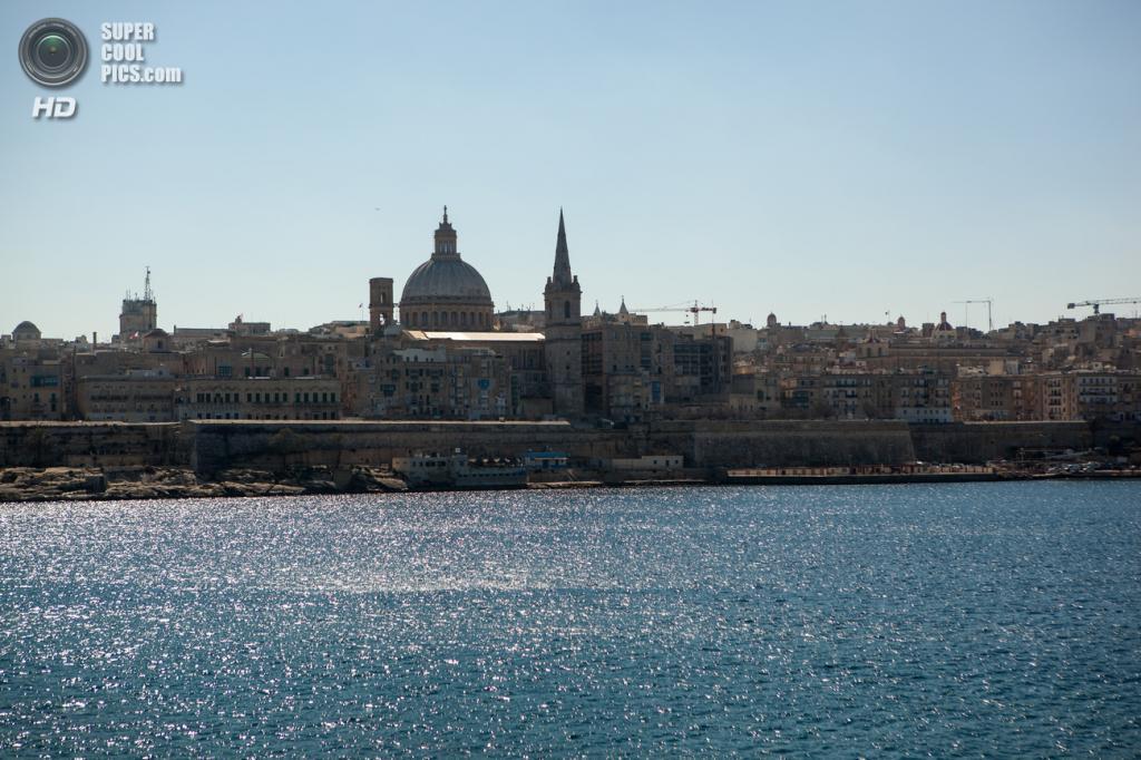 13. Республика Мальта. Площадь 316 км². Население — 452 515 чел. Островное государство в Средиземном море. (Cliff Hellis)