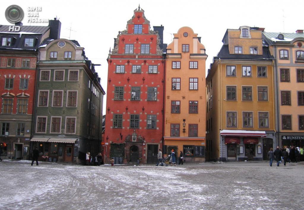 Швеция. Стокгольм. Дома Старого города — исторического центра Стокгольма, построенного на острове Стадсхольмен. (Skubasteve834)