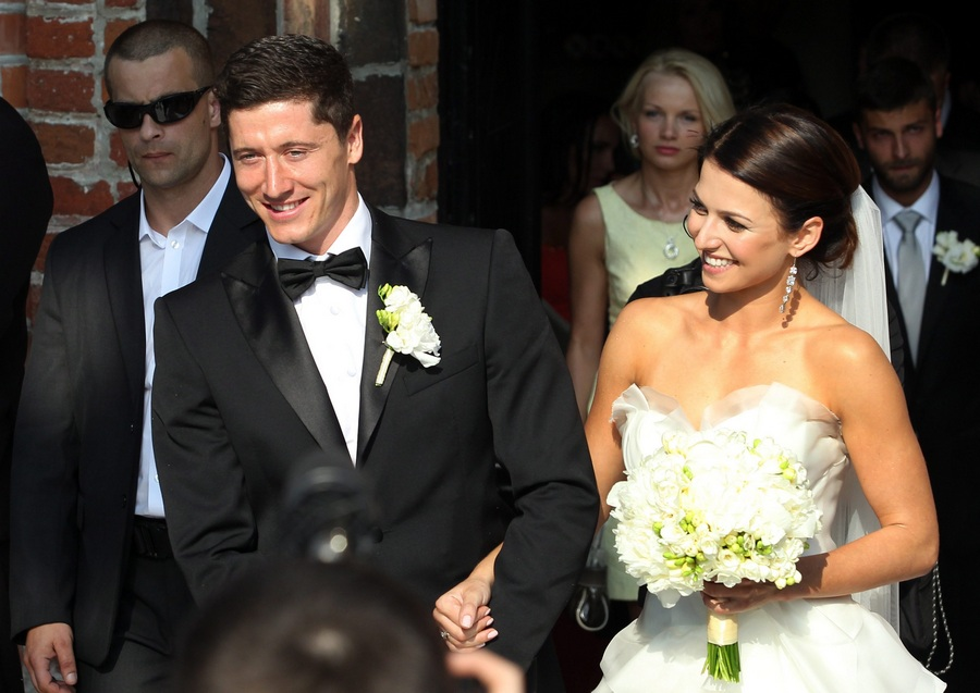 Польский голеадор женился (5 фото)