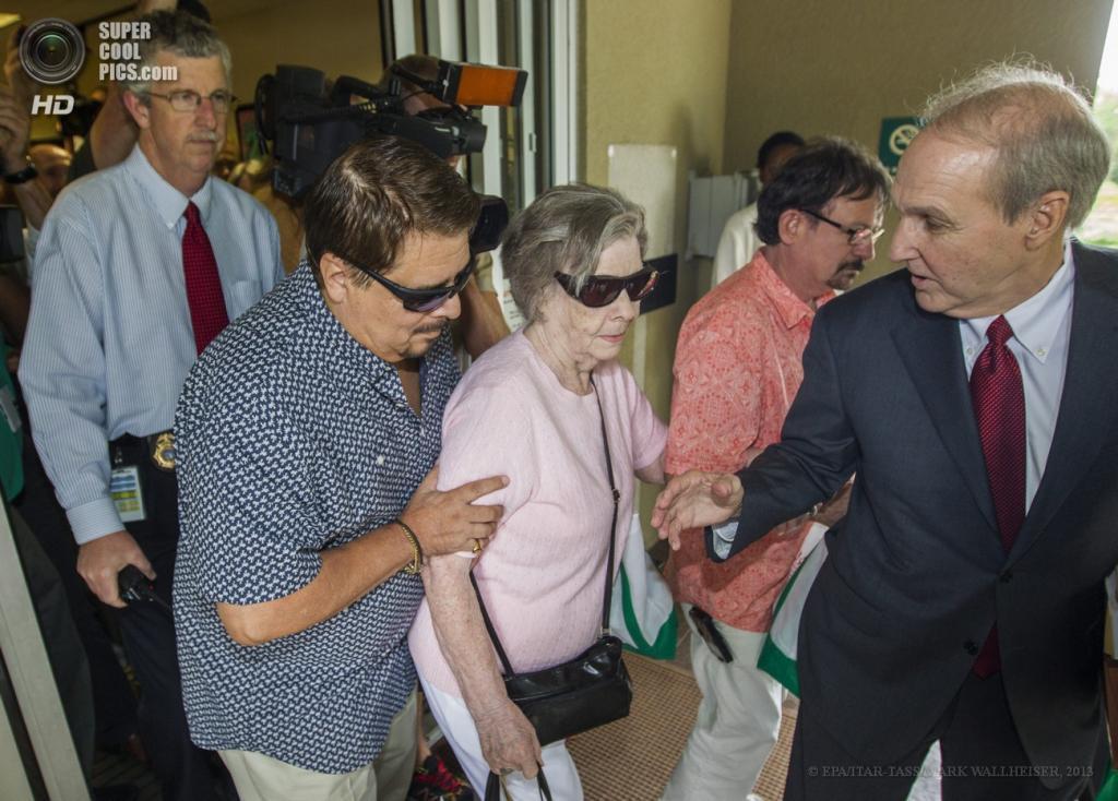 США. Таллахасси, Флорида. 5 июня. Глория Маккензи до начала пресс-конференции в штаб-квартире лотереи Powerball. (EPA/ITAR-TASS/MARK WALLHEISER)