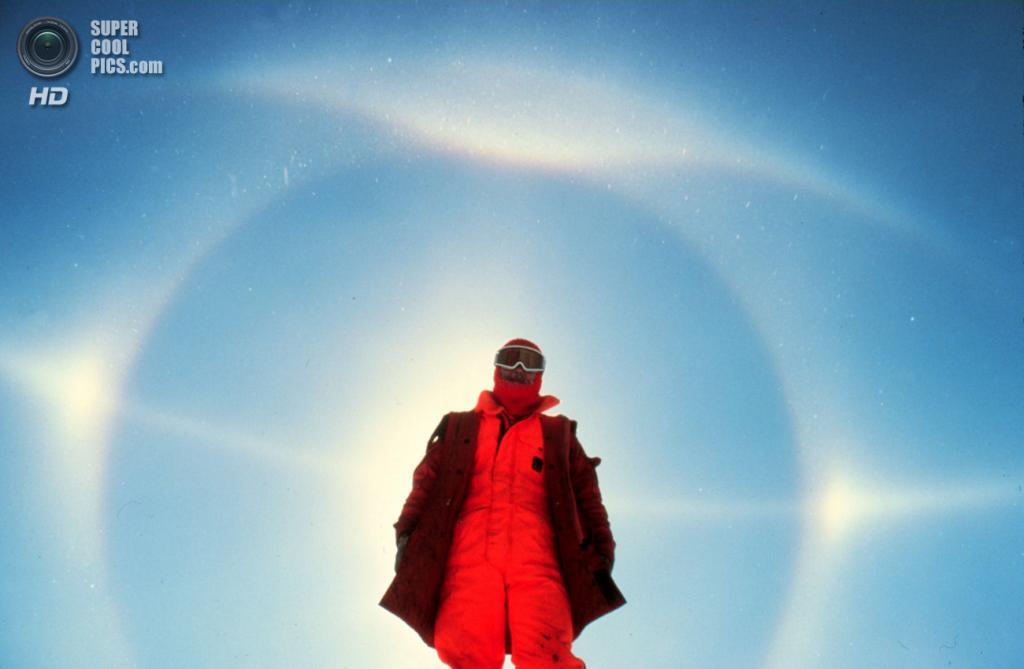 Солнечное гало на Южном полюсе. (NOAA)