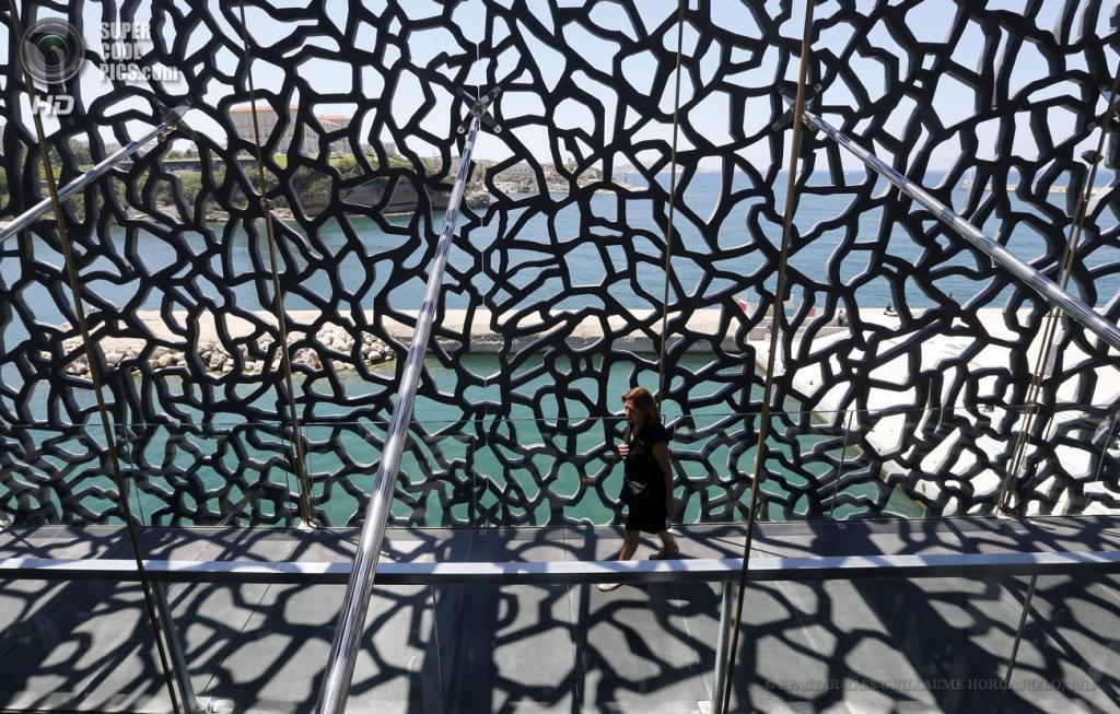 Франция. Марсель. 12 июня. Музей цивилизаций Европы и Средиземноморья. (EPA/ITAR-TASS/GUILLAUME HORCAJUELO)