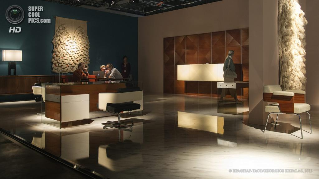 Швейцария. Базель. 13 июня. Стенд нью-йоркской галереи Demisch Danant на выставке Design Miami/Basel 2013. (EPA/ИТАР-ТАСС/GEORGIOS KEFALAS)
