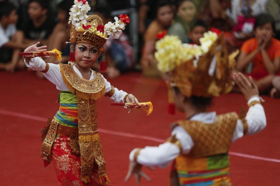 Арт-фестиваль поглотил остров Бали (5 фото)
