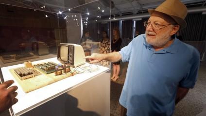Apple-1 с молотка: Кто больше? (6 фото)