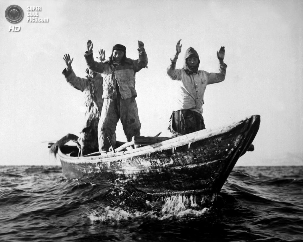 Корея. 10 мая 1951 года. Арест северокорейских рыбаков, произведенный командой легкого крейсера USS Manchester. (U.S. Army Korea)
