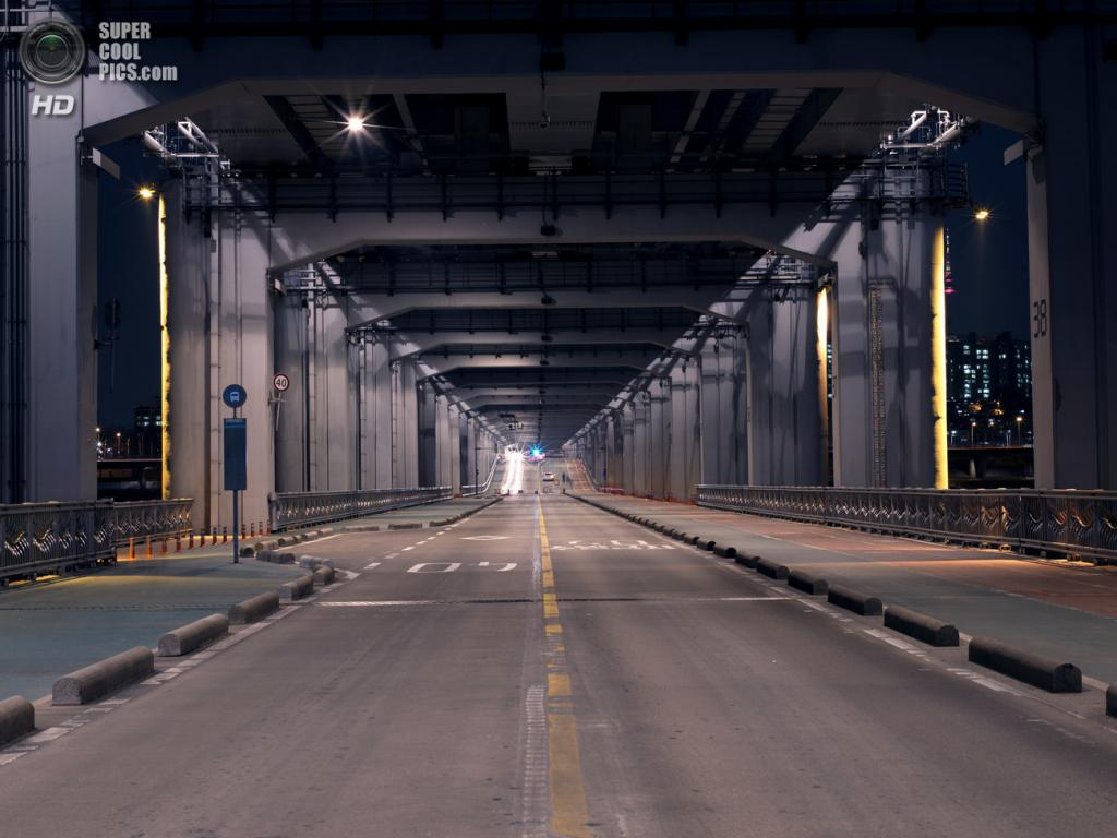 Мост «Фонтан радуги». (Kihong Kim)
