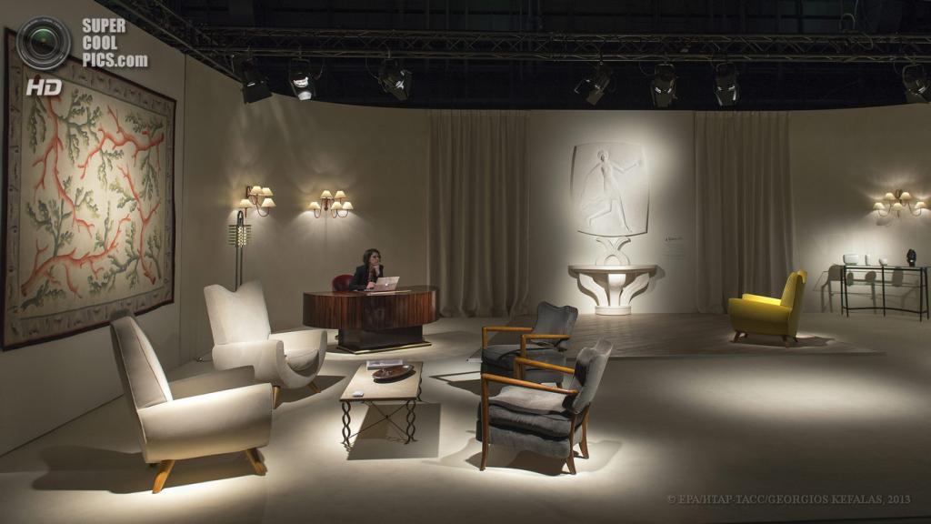 Швейцария. Базель. 13 июня. Стенд парижской галереи Jacques Lacoste на выставке Design Miami/Basel 2013. (EPA/ИТАР-ТАСС/GEORGIOS KEFALAS)