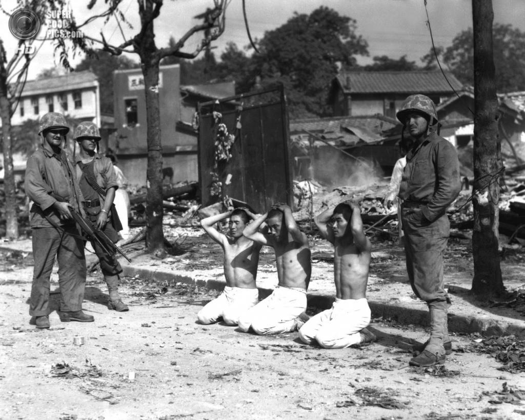Корея. 1950. Американские солдаты с военнопленными. (U.S. Army Korea)
