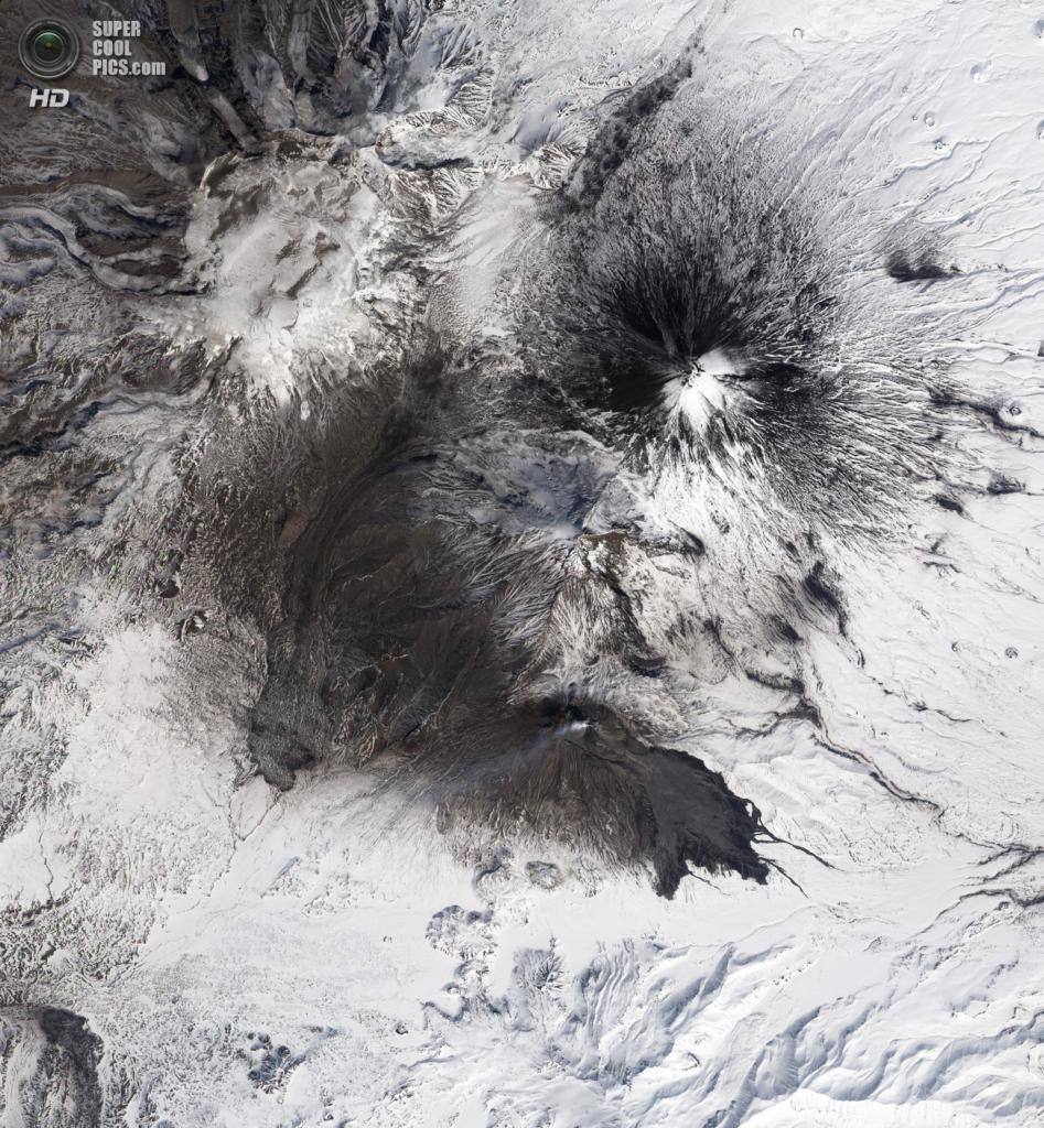 Вулкан Безымянный. Последнее извержение — 2011 год. (NASA)
