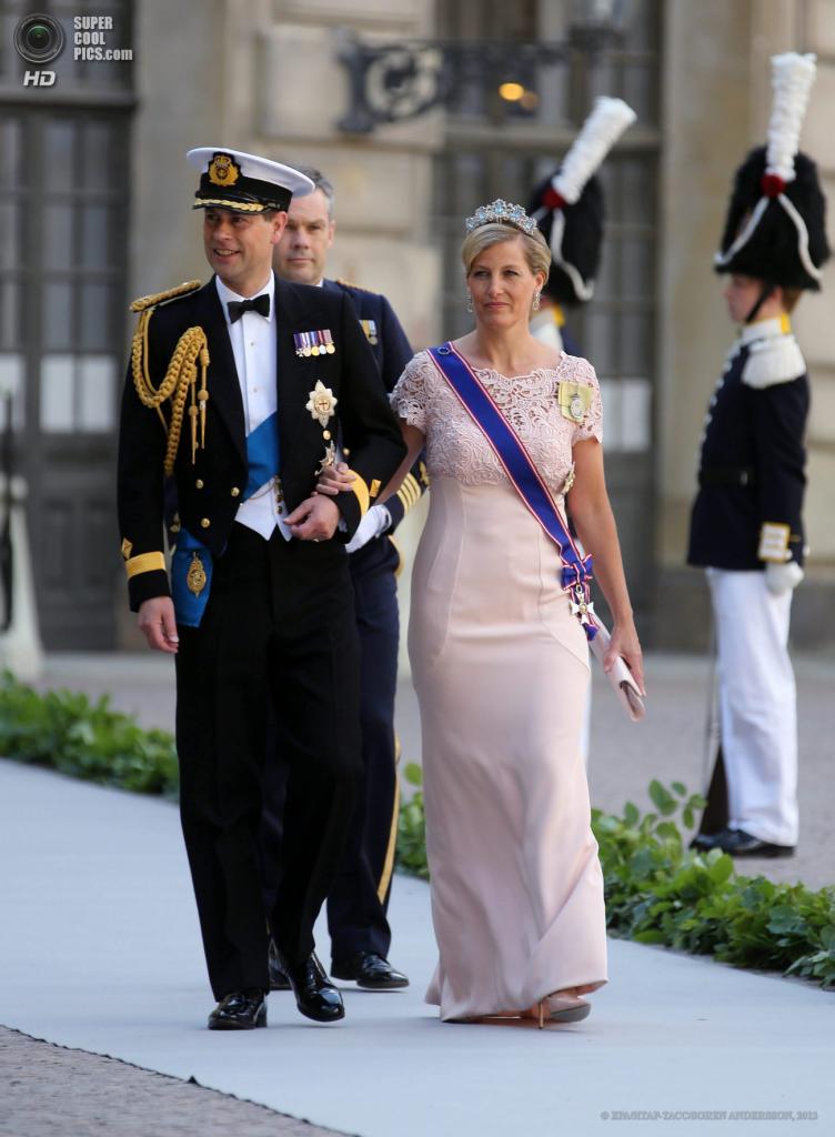 Швеция. Стокгольм. 8 июня. Принц Великобритании Эдуард  с супругой Софи. (EPA/ИТАР-ТАСС/SOREN ANDERSSON)