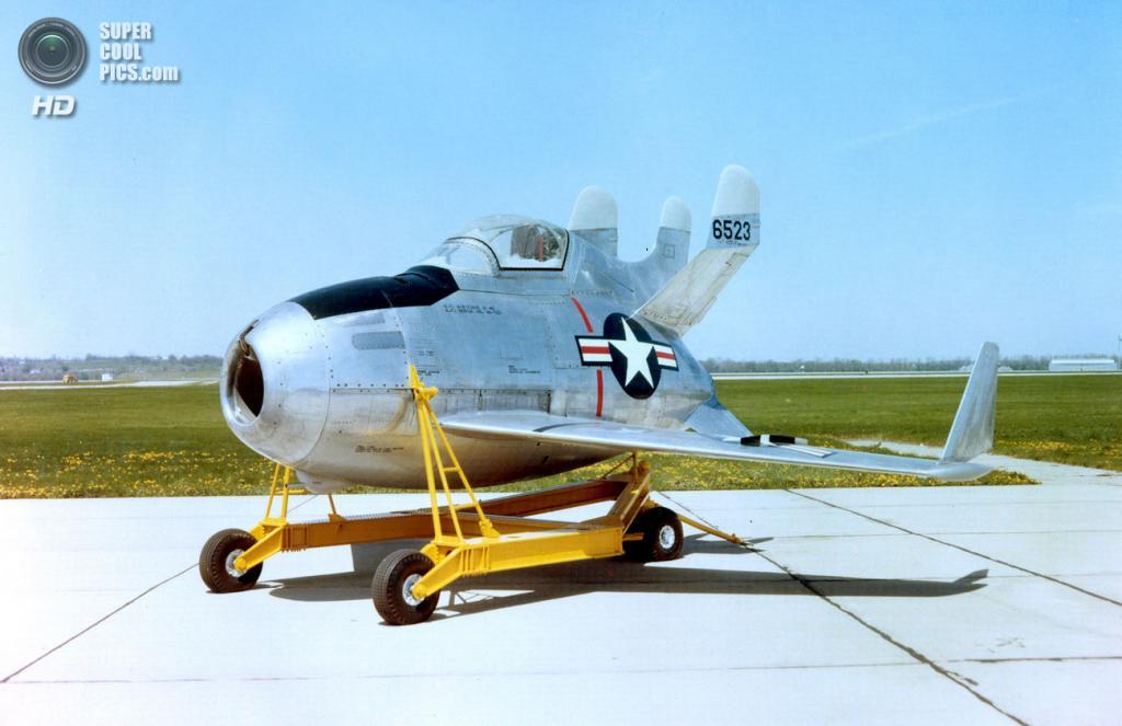 McDonnell XF-85 Goblin в цвете. (U.S. Air Force)