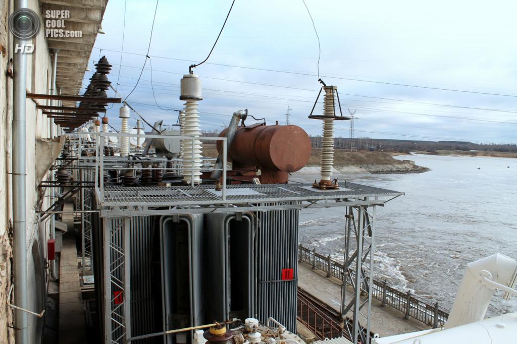 Трансформаторы Рыбинской ГЭС. (Сайга20К)