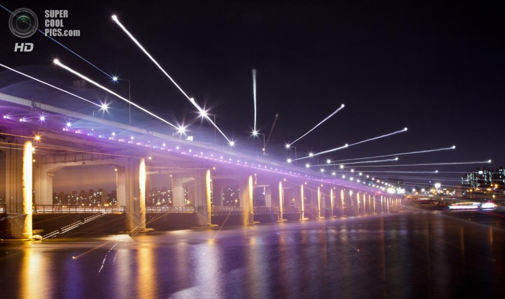 Мост «Фонтан радуги». (Mark Deibert)