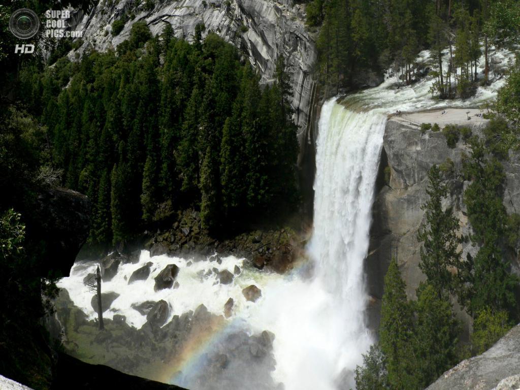 США. Калифорния. Водопад Вернал. (Walter Siegmund)