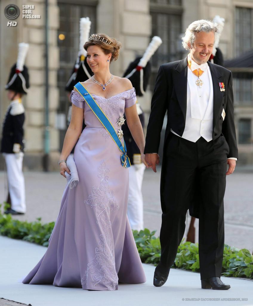 Швеция. Стокгольм. 8 июня. Принцесса Норвегии Марта Луиза с супругом Ари Беном. (EPA/ИТАР-ТАСС/SOREN ANDERSSON)
