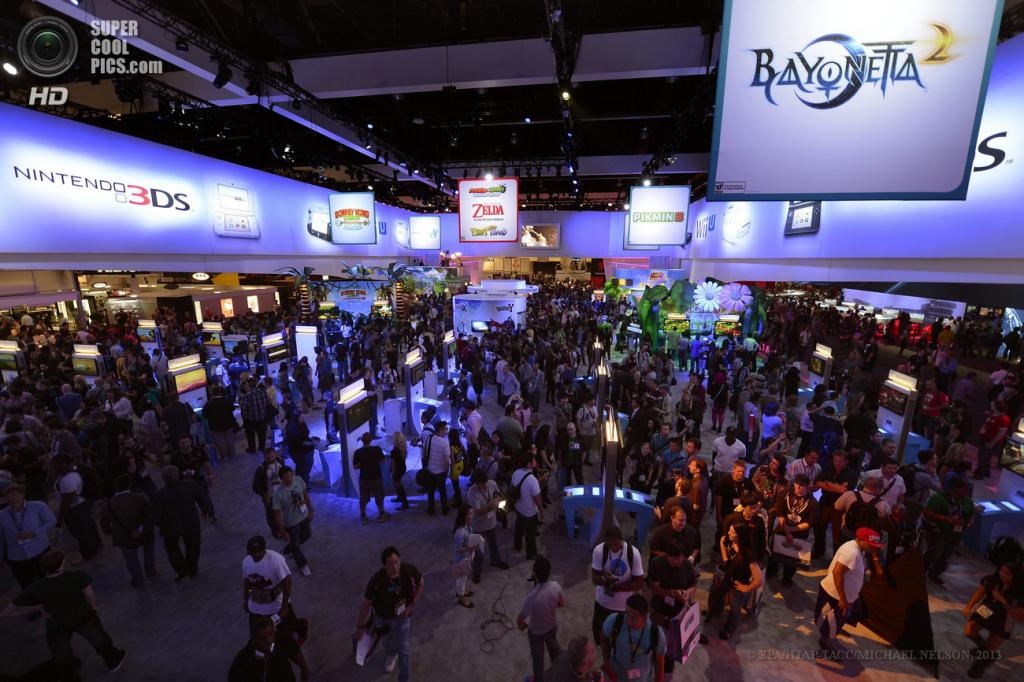 США. Лос-Анджелес, Калифорния. 11 июня. Общий вид на выставку E3 2013. (EPA/ИТАР-ТАСС/MICHAEL NELSON)