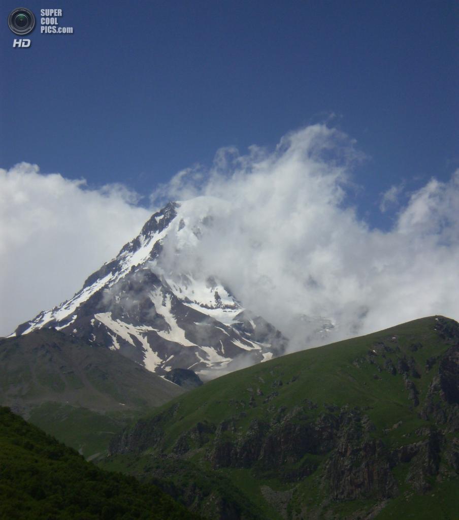 Гора Казбек. Последнее извержение — 650 год до н.э. ± 50 лет. (D.Papuashvili)
