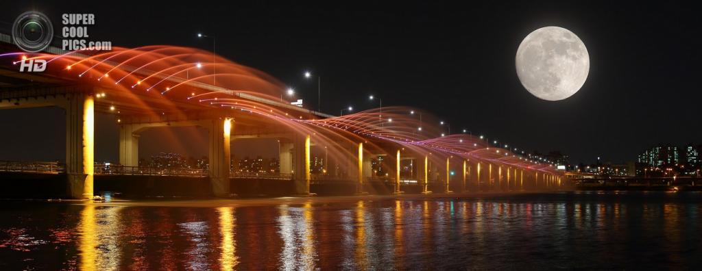 Мост «Фонтан радуги». (ZongYe Quek)