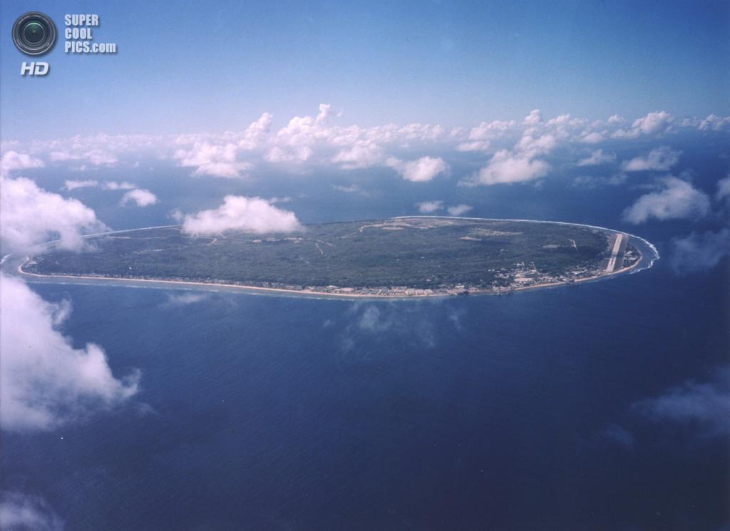 5. Республика Науру. Площадь 21,3 км².  Население — 9 378 чел. Самое маленькое островное государство, расположенное на одноимкнном коралловом острове в западной части Тихого океана. Не имеет официальной столицы. (U.S. Department of Energy's Atmospheric Radiation Measurement Program)