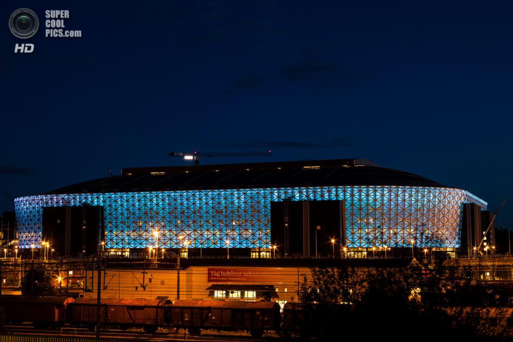 Швеция. Стокгольм. Новейший футбольный стадион «Френдс-арена», открытый в 2012 году. Вмещает 51 100 зрителей. (Håkan Dahlström)