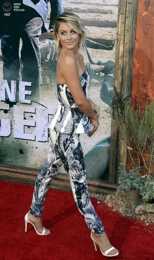США. Анахайм, Калифорния. 22 июня. Танцовщица Джулианна Хаф в качестве гостя. (EPA/ИТАР-ТАСС/MICHAEL NELSON)