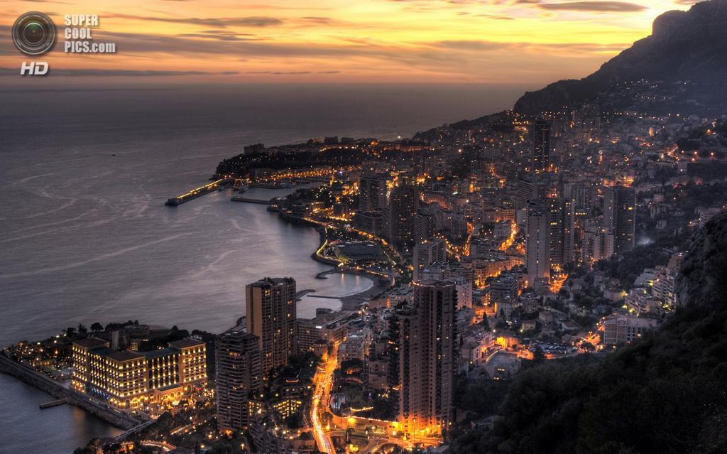 4. Княжество Монако. Площадь 2,02 км².  Население — 36 371 чел. Самое густонаселенное государство в мире, расположенное на берегу Лигурийского моря и граничащее с Францией. (Wayne Patterson)