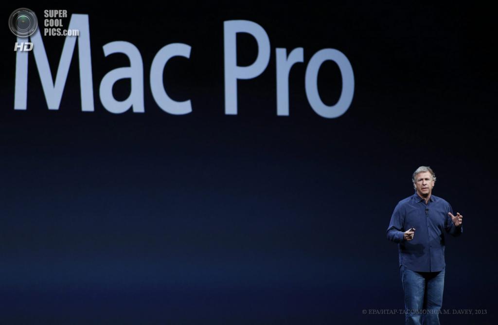 США. Сан-Франциско, Калифорния. 10 июня. Старший вице-президент Apple по маркетингу Филипп Шиллер обсуждает новый Mac Pro. (EPA/ИТАР-ТАСС/MONICA M. DAVEY)