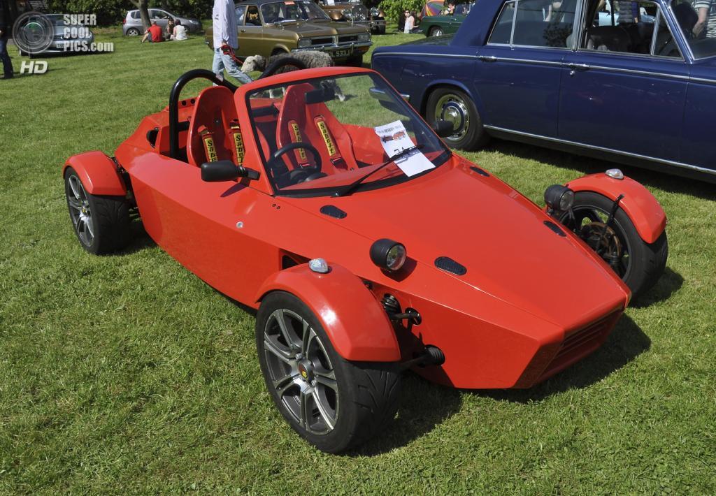 Великобритания. Бардуэлл, Саффолк. 26 мая. Багги на выставке автомобилей Bardwell Car Show. (Martin Pettitt)