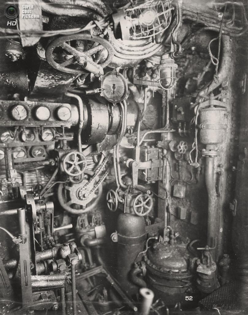 Великобритания. Уолсенд, Тайн-энд-Уир, Англия. 1918 год. Отсек с дизелями. (Tyne & Wear Archives & Museums)