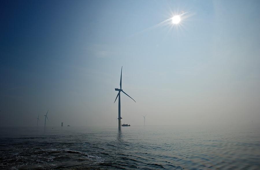 Ветроэлектростанция London Array, вырабатывающая 650 МВт. (London Array)
