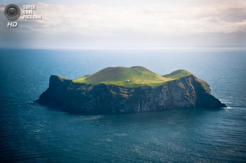 Исландия. Архипелаг Вестманнаэйяр. Остров Бьярнарей. (Zanthia)